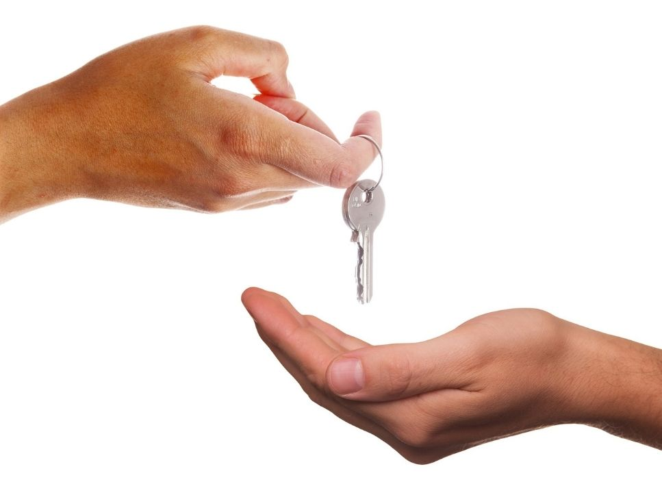Home rental receiving keys
